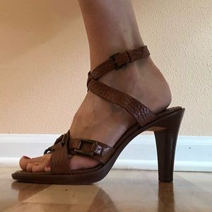 VGUC Banana Republic Brown Leather Sandals (8.5)